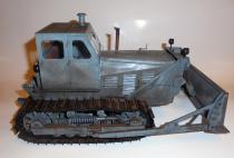 Staliniec T-100